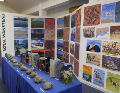 Close Art Exhibition (33)