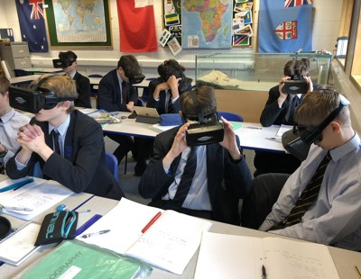 Virtual reality headstes in geography