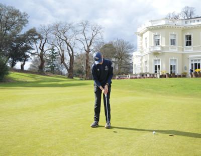 Golf gallery 2